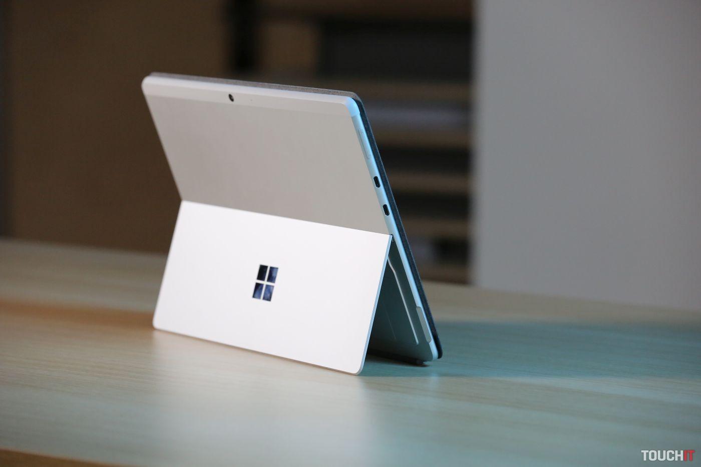 Microsoft Surface Pro X s procesorom SQ2