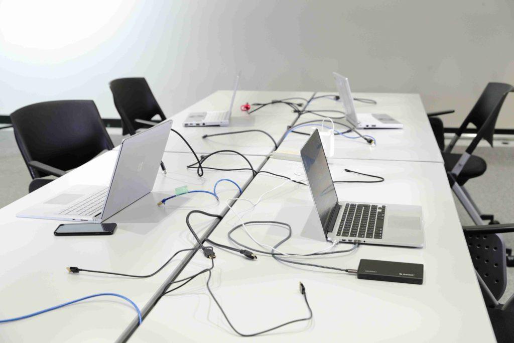 Na takéto konferenčné miestnosti už môžete zabudnúť
