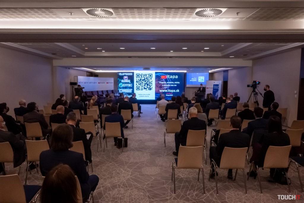 ITAPA 2020 bola naozaj naživo, ale zároveň aj online