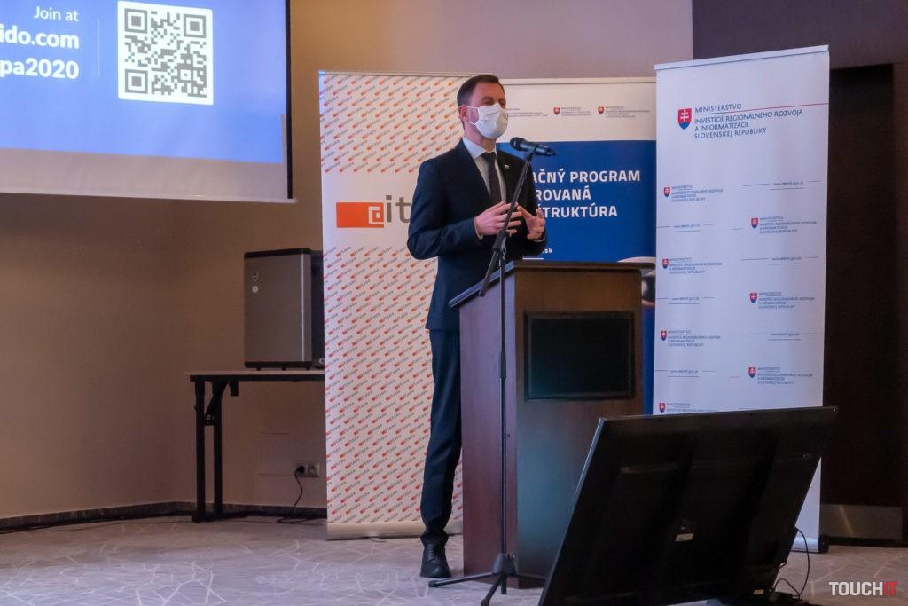 Minister financií na konferencii ITAPA