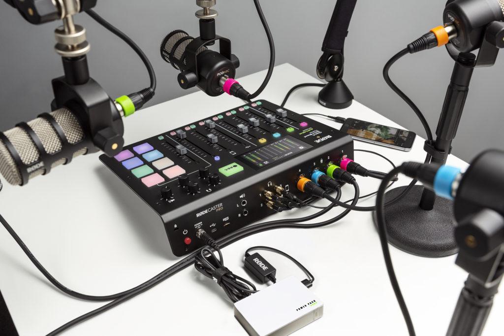 RodeCaster Pro pri vytváraní podcastu