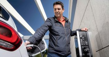 Hybridné vozidlá EQ Power umožňujú prevádzku na elektrinu, ale je tu aj spaľovací motor