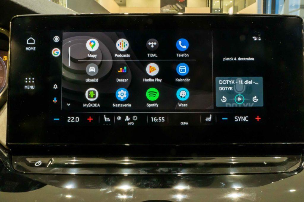 Android Auto na displeji Škoda Octavia