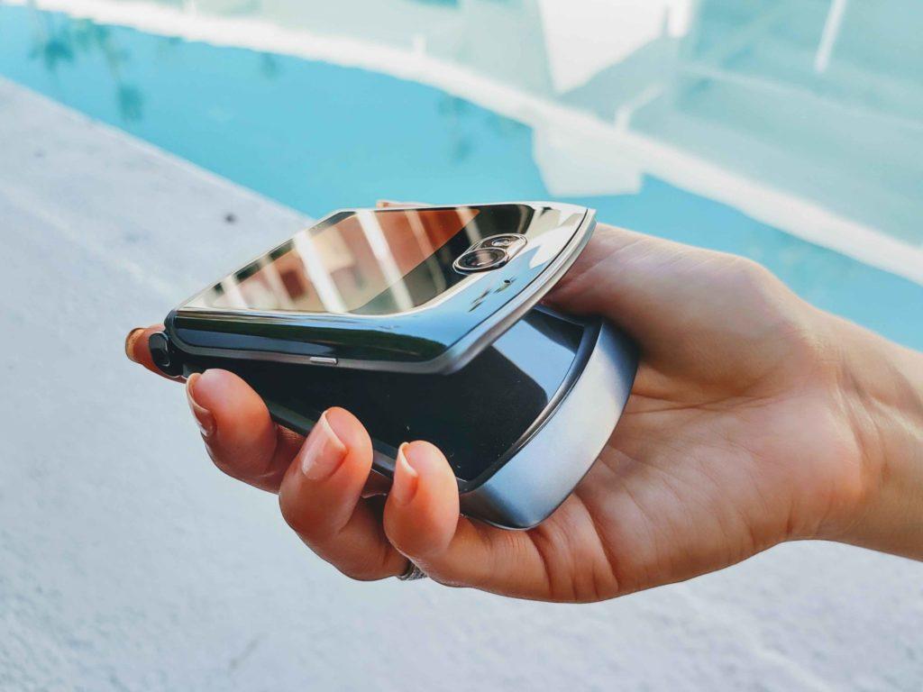 motorola ukazuje, ako si smartfón s ohybným displejov predstavujú oni