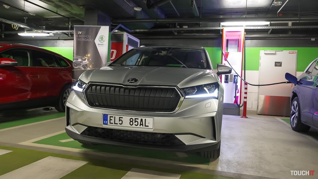 Nabíjanie Škoda ENYAQ iV 80. Zdroj: Samo Hindy/TOUCHIT.sk