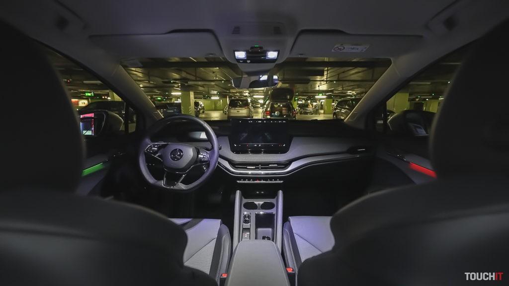Vo vnútri kabíny Škoda ENYAQ iV 80. Zdroj: Samo Hindy/TOUCHIT.sk