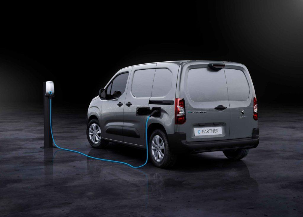 Peugeot ePartner dokazuje, že elektrina prichádza aj do úžitkových automobilov