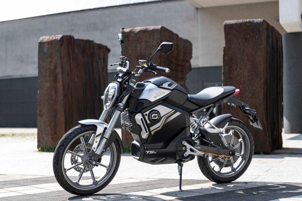 Ľahká športová elektrická motorka Super Soco TSX