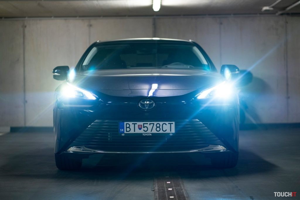 Efektné vyhotovenie Toyota Mirai. Zdroj: Ondrej Macko/TOUCHIT.sk
