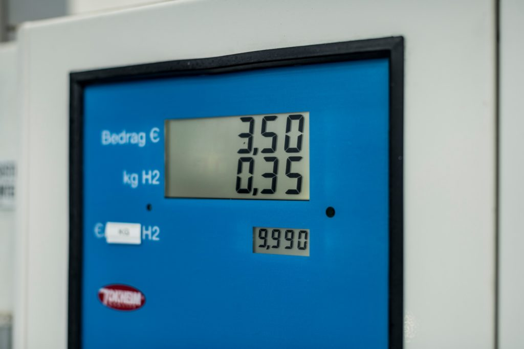 Momentálna cena 1 kg tekutého vodíka v Rakúsku je 9,99 eur. Zdroj: Toyota
