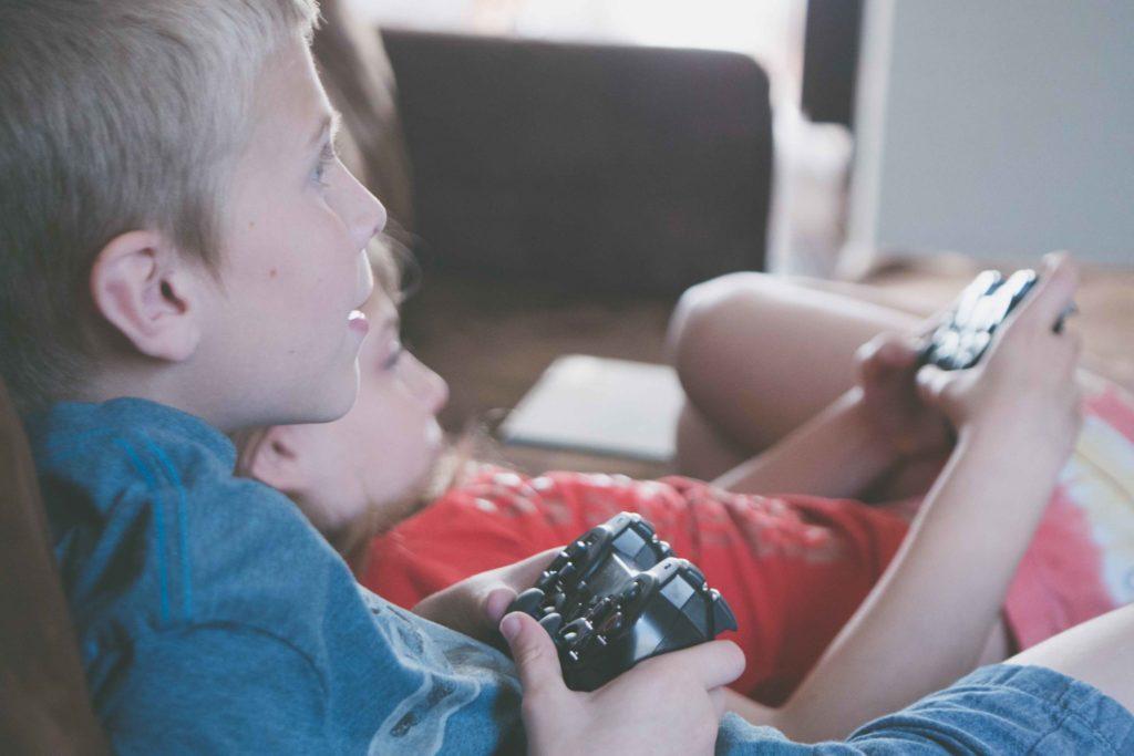 Existujú vynikajúce hry pre deti a môžu ich hrať vo dvojici