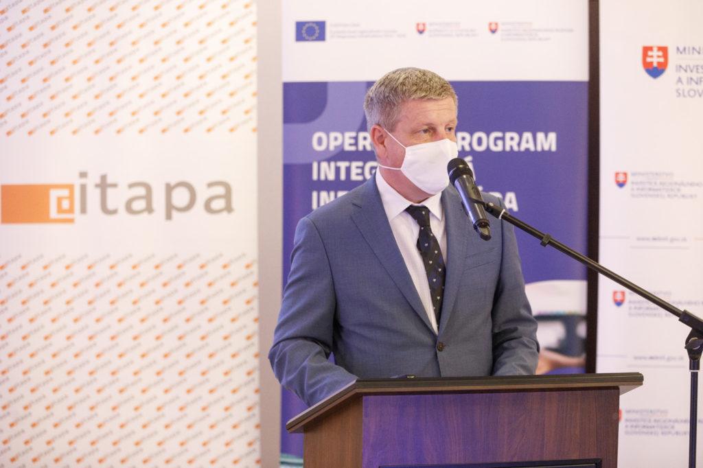 Minister zdravotníctva Vladimír Lengvarský pri vystúpení na ITAPA.