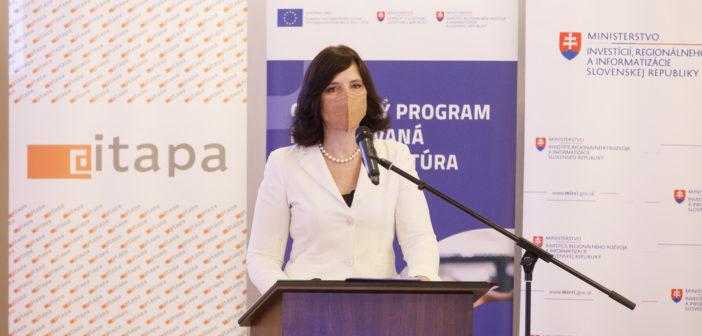 Ministerka pre informatizáciu Slovenska Veronika Remišová pri prezentácii úspechov MIRRI