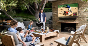 Televízor na verandu The Terrase si pokojne poradí aj snepriazňou počasia