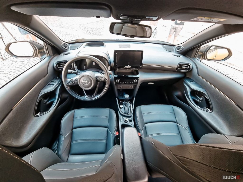 Vo vnútri Toyota Yaris Cross. Zdroj: Ondrej Macko/TOUCHIT.sk