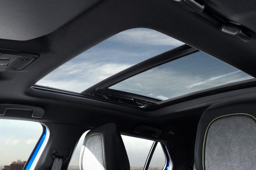 Panoramatická strecha Peugeot e-2008