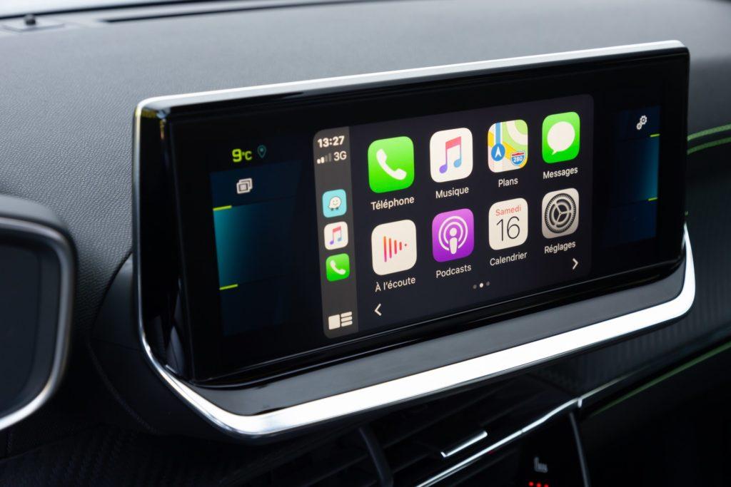 Podpora Apple Carplay. Peugeot e-2008