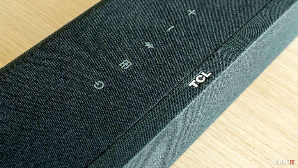 Tlačidlové ovládanie na soundbare TCL TS8132