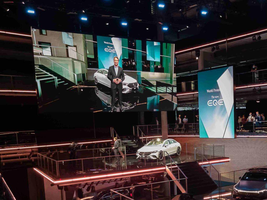 Mercedes EQE pri slávnostnom predstavení