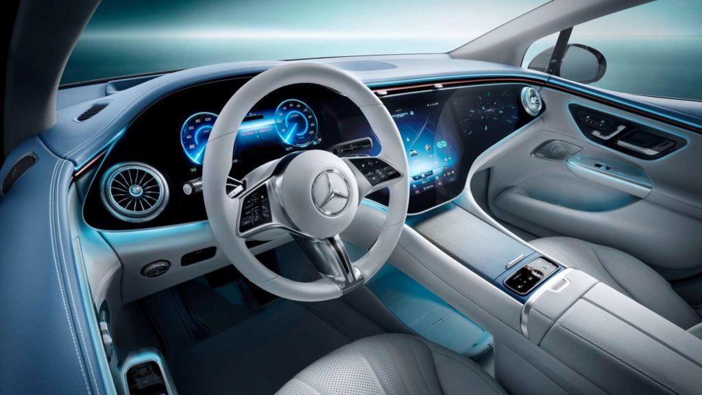 Palubná doska v Mercedes EQE