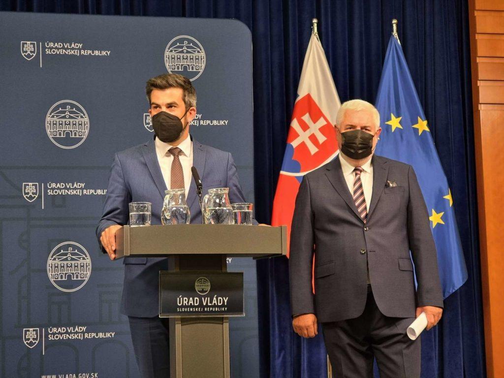 Štátny tajomník MIRRI Ján Hargaš a riaditeľ NASES Pavel Karel