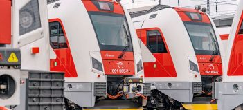 Jazdu v podobných vozidlách si do konca roku 2023 budú môcť naplno vychutnať aj cestujúci východného Slovenska